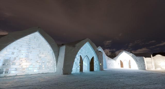 Hôtel de Glace – hotel z lodu – w Québecu w Kanadzie