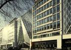 Szklany patchwork w Londynie. Modernizacja uczyniła z biurowca architektoniczne cacko!