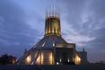 Kościół w Liverpoolu przypomina rakietę gotową do startu