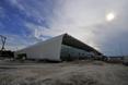 Terminal został zaprojektowany w obłych kształtach, przez co jest interesujący architektonicznie