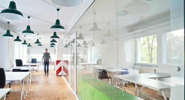 Architektura wnętrza biura w stylu loft. Zobaczcie nowoczesne wnętrza projektu Bud Cud w Krakowie