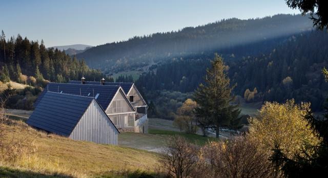 Architektura. Wiejska chata w stylu nowoczesnym. Zobaczcie realizacje czeskich architektów