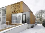 """Pamiętacie architekturę bryły z Poznania? Galeria zdjęć """"Domu z wycinanką"""". Mamy nowe zdjęcia!"""
